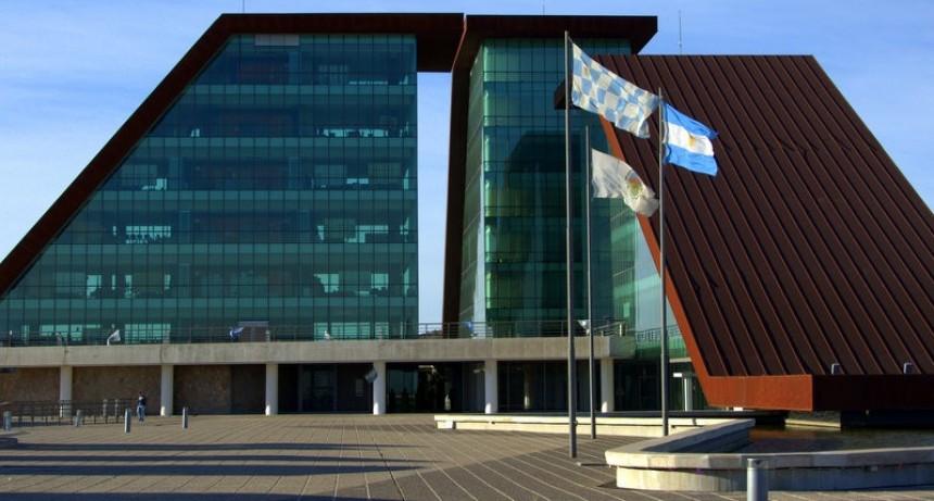 El Gobierno provincial garantizó el pago sin retraso de salarios y planes sociales para el próximo año