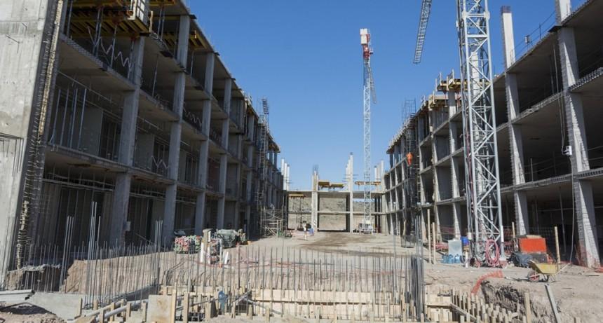 La construcción del Hospital Central tiene un 30 % de avance