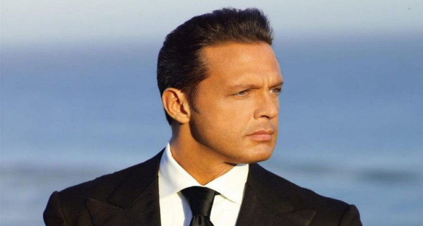 En medio de los rumores de su muerte, aseguran que un doble reemplaza a Luis Miguel