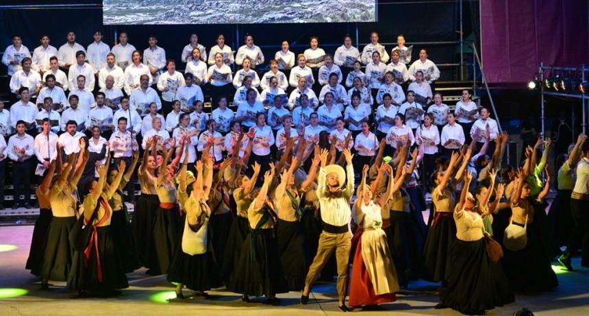 """La fiesta de """"Sueños del Arte"""" hizo emocionar al público que copó el Parque IV Centenario"""